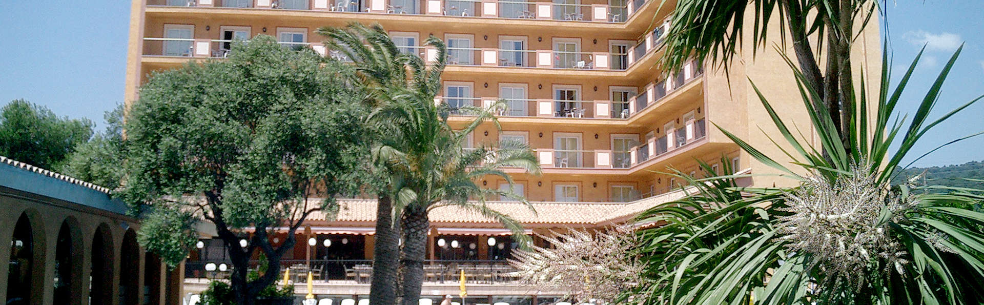 Hotel Luna Club - Edit_Front.jpg
