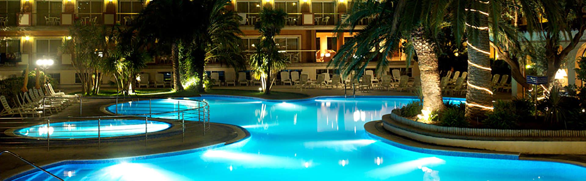 Hotel Luna Club - Edit_Pool.jpg