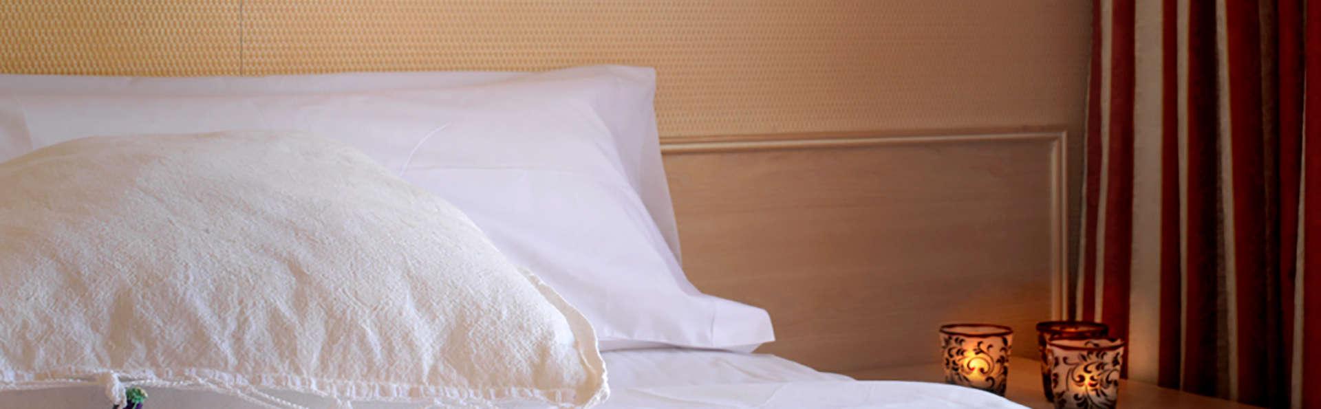 Hotel Luna Club - Edit_room.jpg