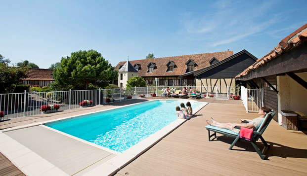 Hotel Le Fiacre - Pool