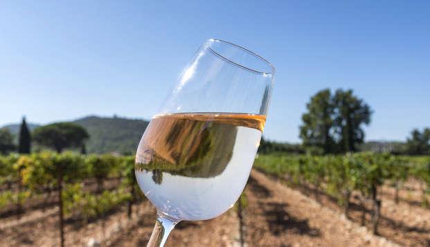 Escapada enológica con visita a bodega y degustación de vinos en este exclusivo hotel de Almansa