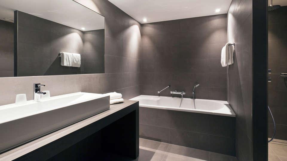 Van der Valk hotel Dordrecht - edit_bathroom_Superior__badkamer__-_Copy.jpg