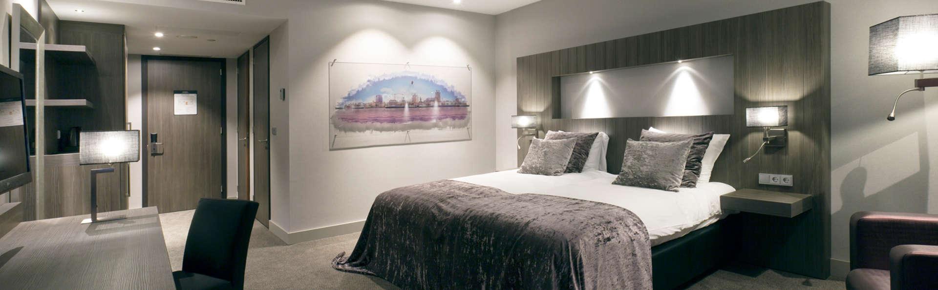 Van der Valk hotel Dordrecht - edit_room1_-_Copy.jpg