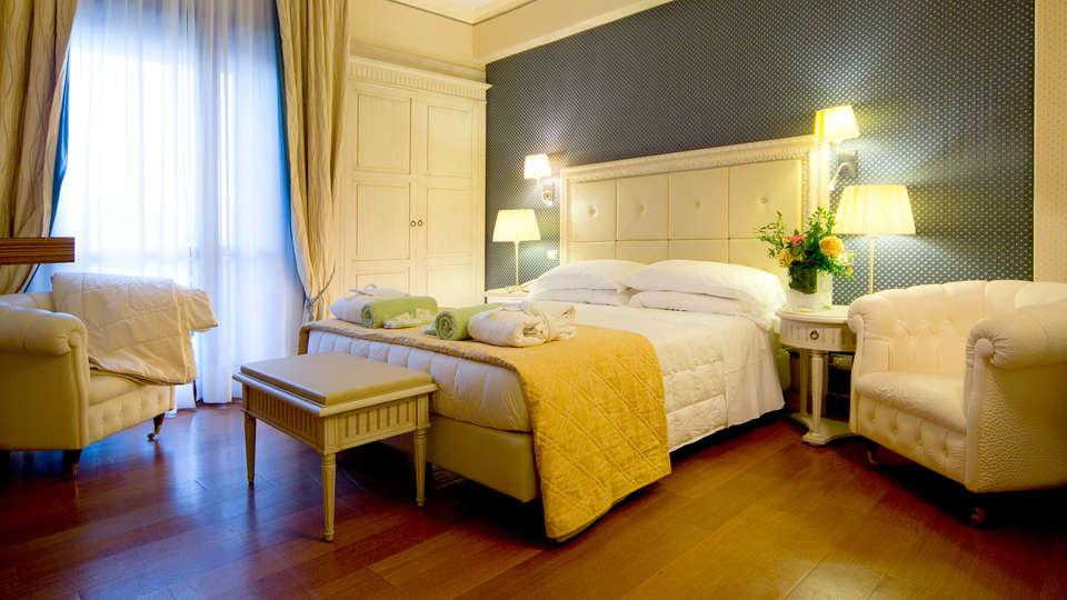 Grand Hotel Terme - Edit_Room2.jpg