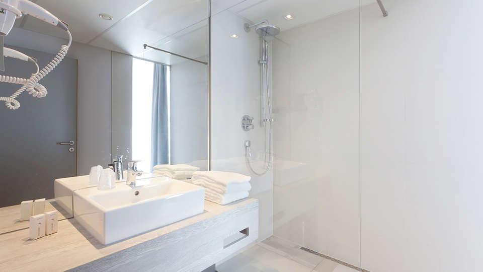 Van der Valk Hotel Mons Congres - Edit_Bath.jpg