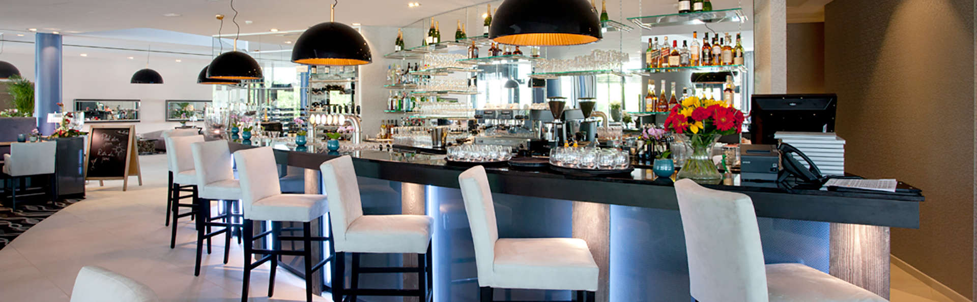 Van der Valk Hotel Mons Congres - Edit_Bar.jpg