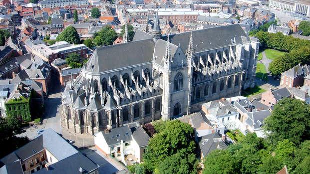 Escapada a la encantadora ciudad de Mons