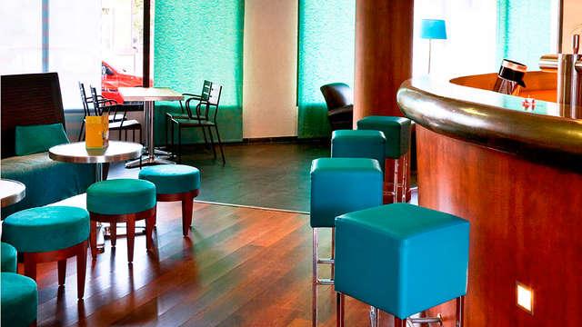 Novotel Suites Clermont Ferrand Polydome - bar