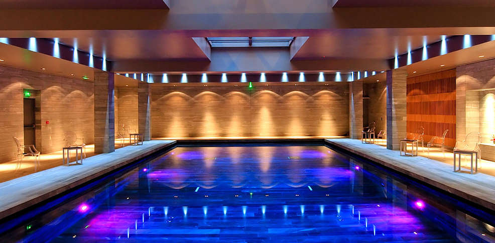 Spa h tel de bourgtheroulde 5 rouen france for Hotel piscine interieur