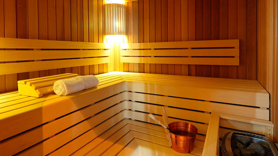 Residhome Suites Paris Sénart - edit_sauna.jpg