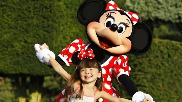 Escapada relax en pareja o en familia con entrada para los 2 parques Disney®