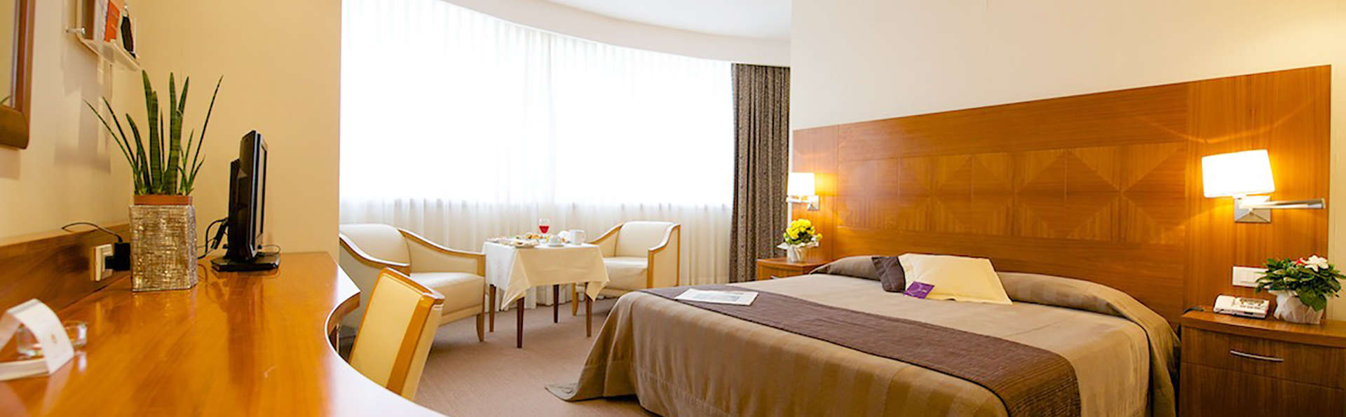 Four Points by Sheraton Siena - Edit_room4.jpg