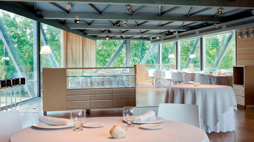 Hotel Món Sant Benet - EDIT_restaurant3.jpg