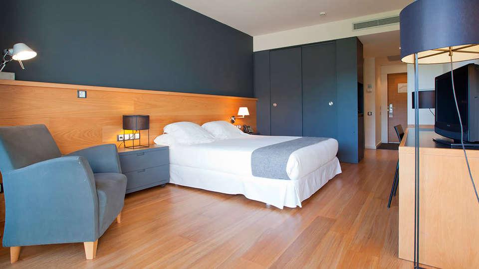 Hotel Món Sant Benet - EDIT_standardeluxe2.jpg