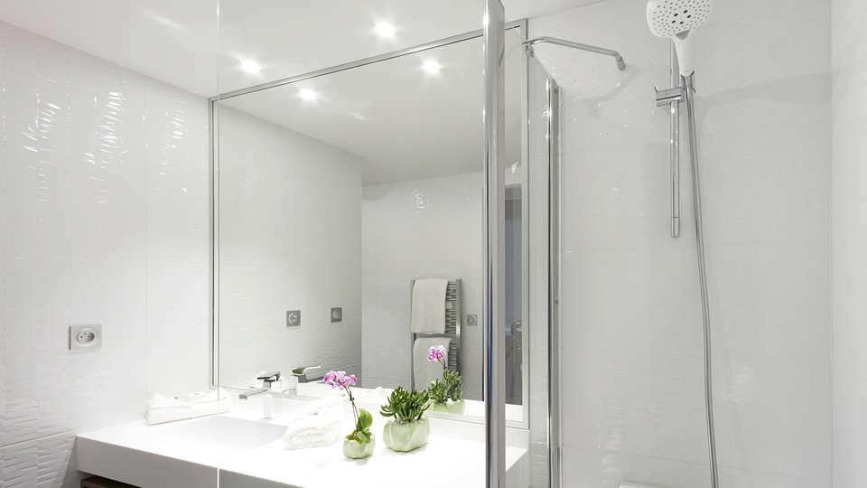 Néméa Appart'Hotel Résidence Concorde - edit_bathroom1.jpg