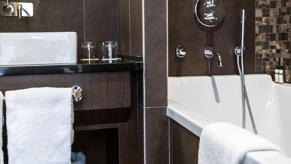 Hôtel SPA de Fontcaude - EDIT_bath.jpg