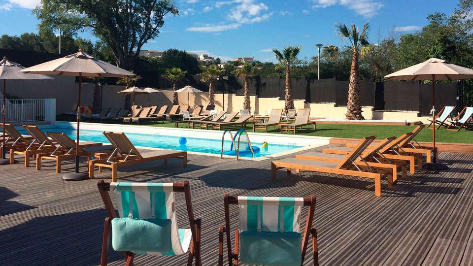 Hôtel SPA de Fontcaude - EDIT_pool2.jpg