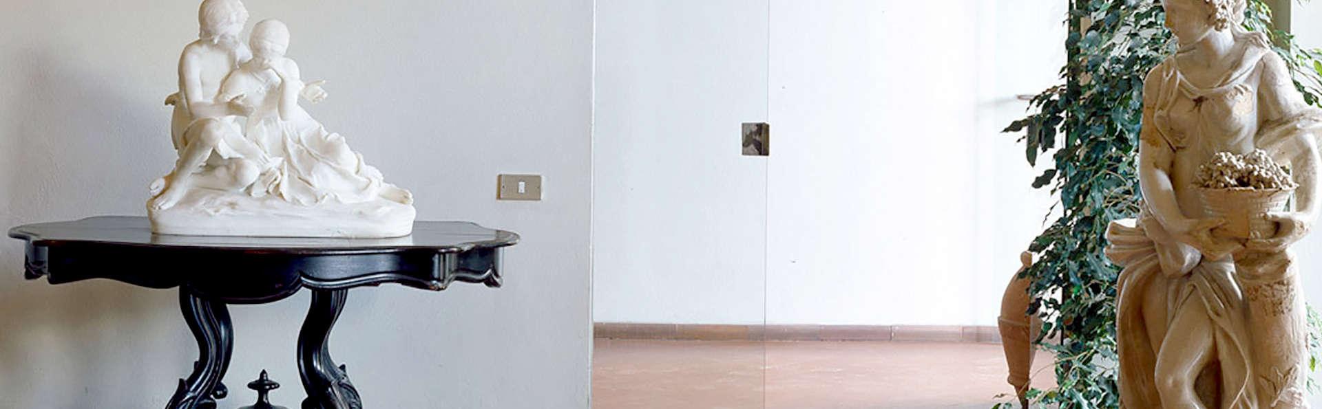 Hotel Palazzo Ricasoli - Edit_Hall2.jpg