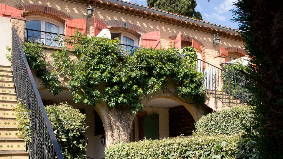 Le Mas Des Citronniers - EDIT_garden1.jpg