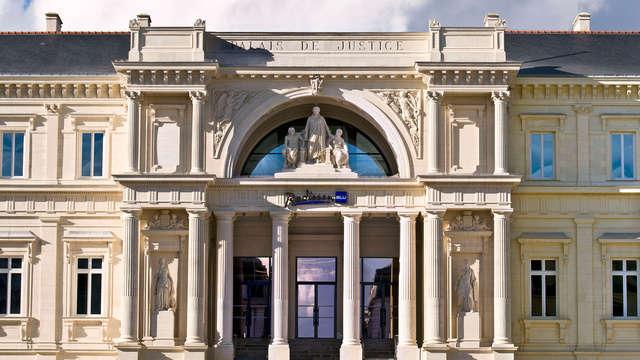 Séjour en famille dans l'ancien Palais de Justice de Nantes