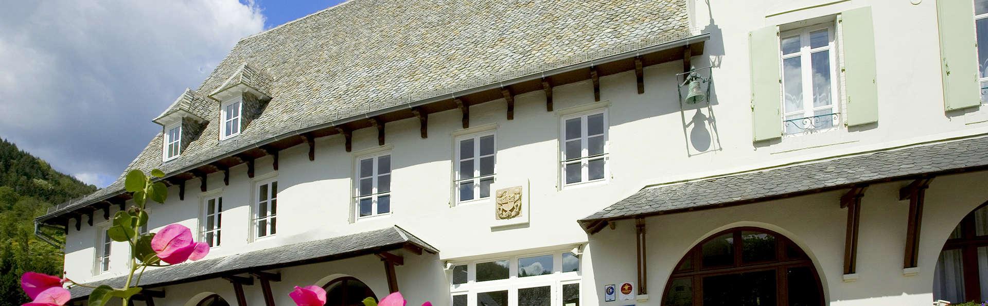 Hôtel la Rivière - Edit_Front2.jpg