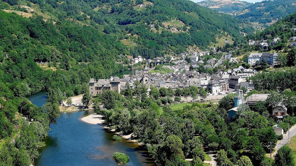 Hôtel la Rivière - Edit_Destination4.jpg