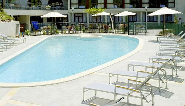 Hotel la Riviere - Pool