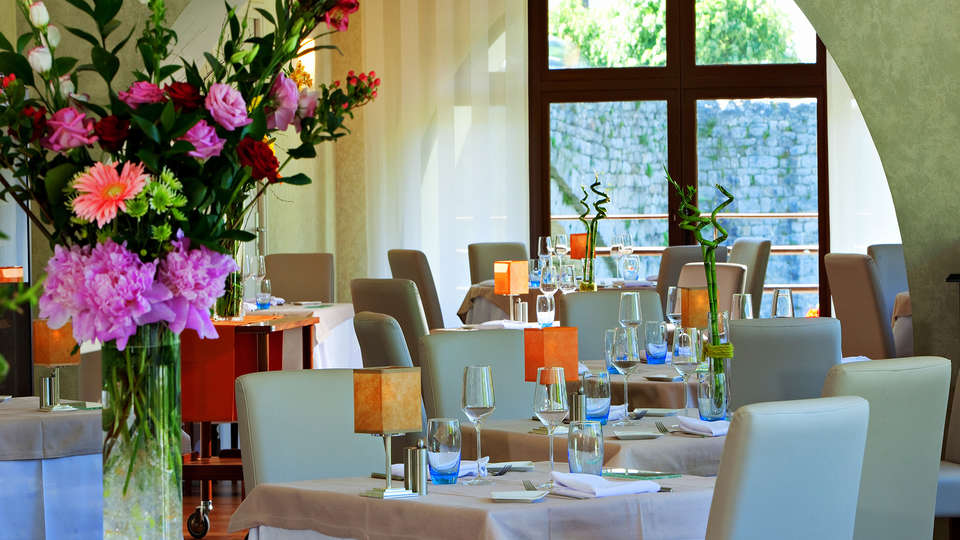 Hôtel la Rivière - Edit_Restaurant3.jpg