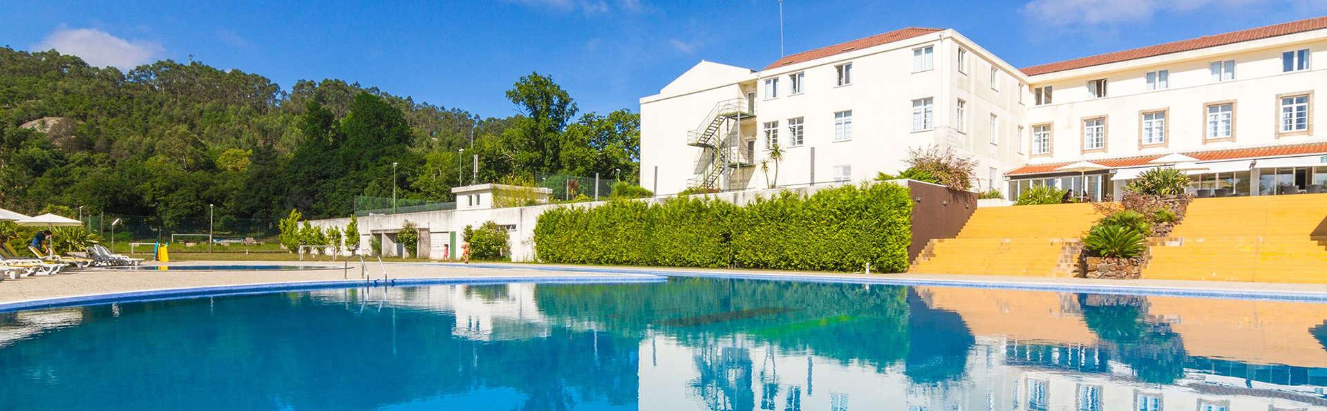 Golden Tulip Braga Hotel & Spa - EDIT_pool2.jpg