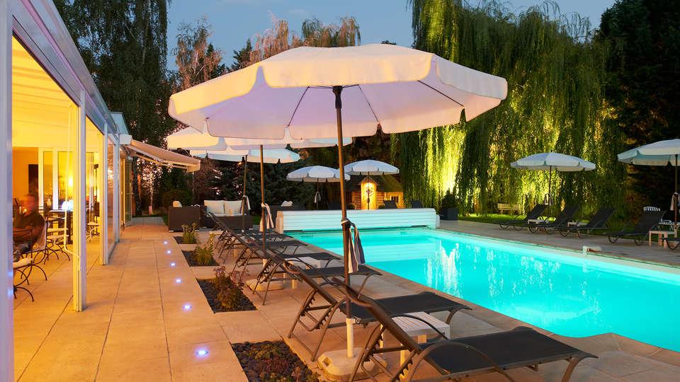 Hôtel Les Jardins d'Adalric - Obernai - Edit_Pool.jpg