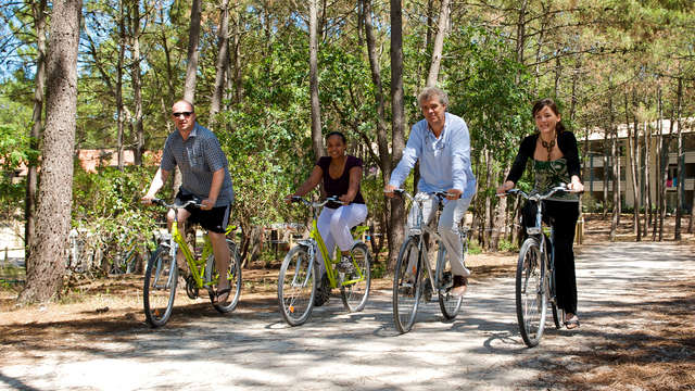2 Disponibilidad de bicicletas de montaña para 2 adultos
