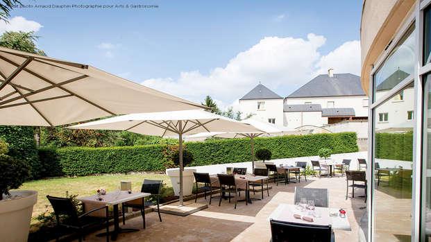 Le Richebourg Hotel Restaurant et Spa - Terrace