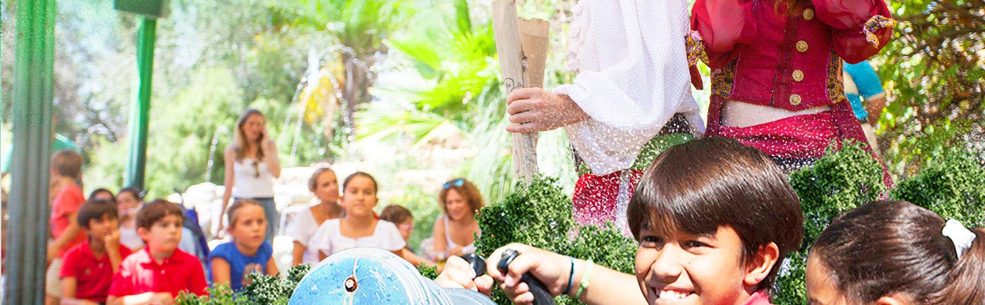 Escapada en familia o con amigos y entradas para Isla Mágica