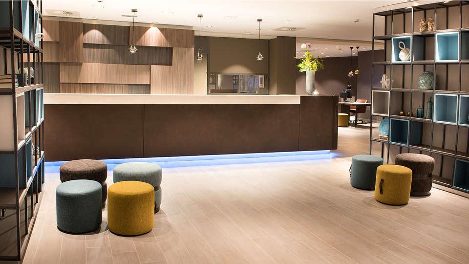 Bilderberg Europa Hotel Scheveningen - edit_reception.jpg