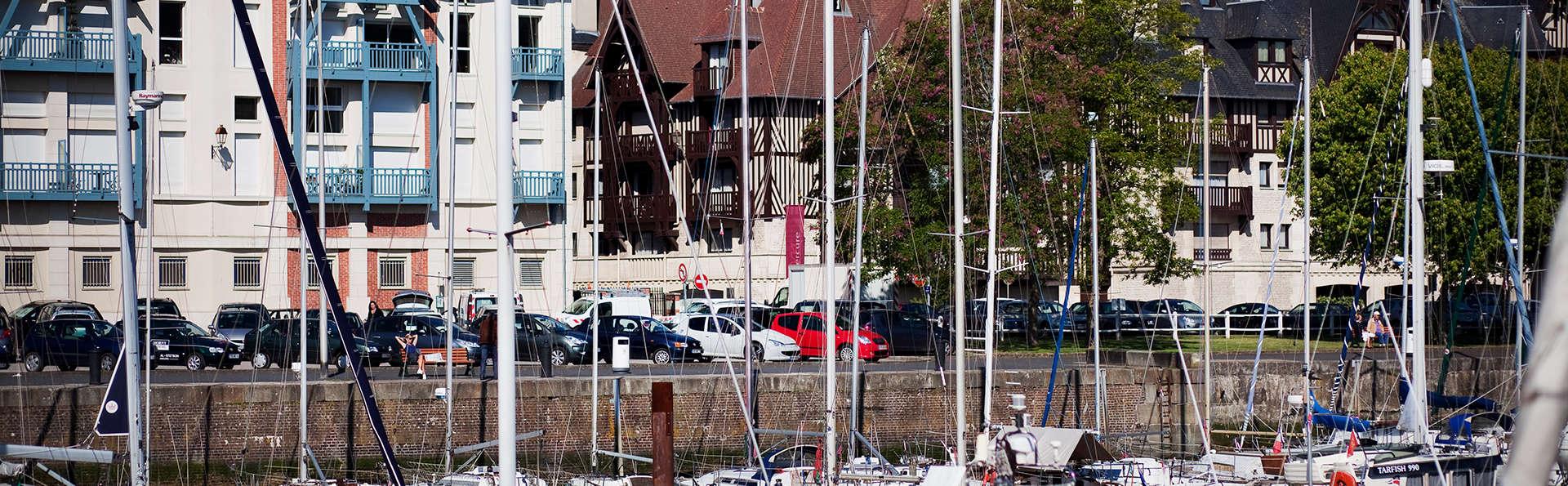 Mercure Deauville Centre - Edit_Boat.jpg