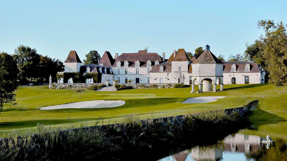 Le Château des Vigiers - Edit_front2.jpg