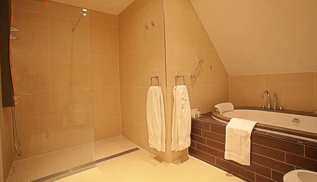 Hotel Spa Savarin - bathroom junior-suite