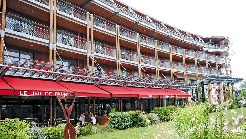 Hôtel Parc Beaumont Pau - MGallery by Sofitel - edit_terras_garden.jpg