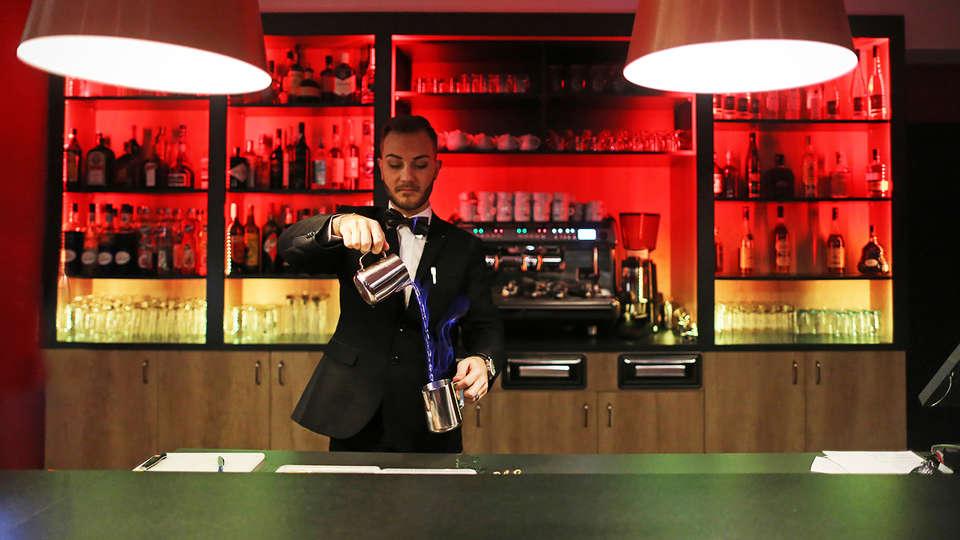 Airport Club Hotel - EDIT_bar.jpg