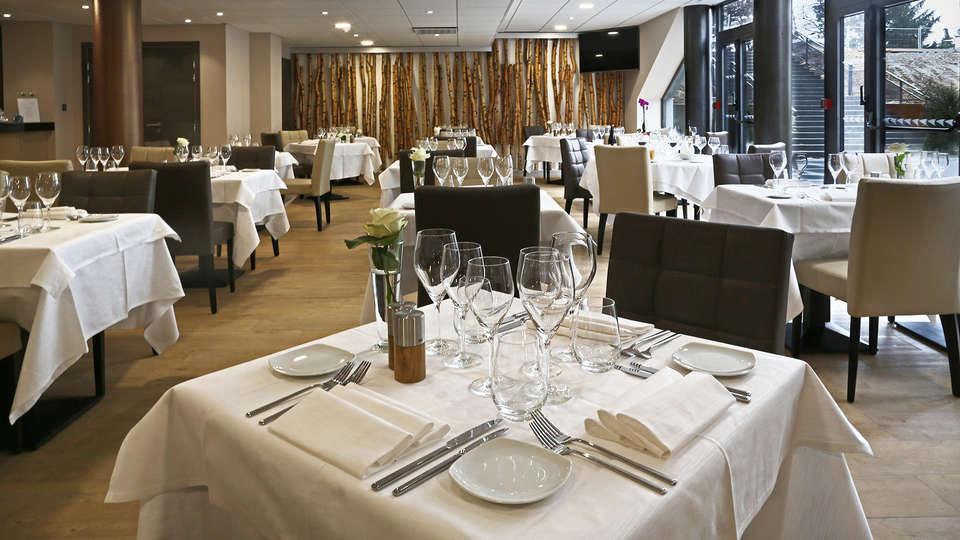 Airport Club Hotel - EDIT_restaurant1.jpg