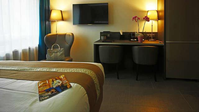 Airport Club Hotel