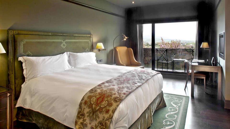 Castillo de Gorraiz Hotel Golf & Spa - Edit_room3.jpg