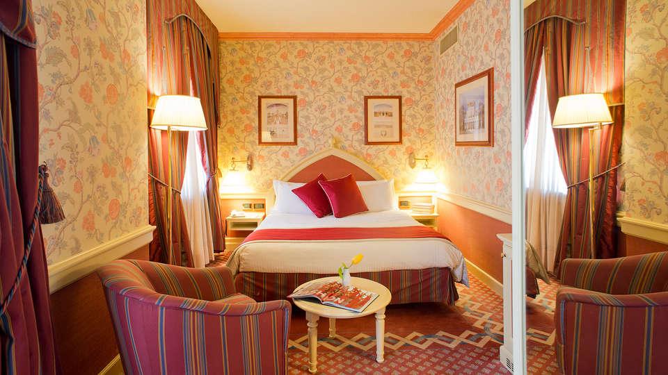 Mercure Milano Regency  - Edit_Room.jpg