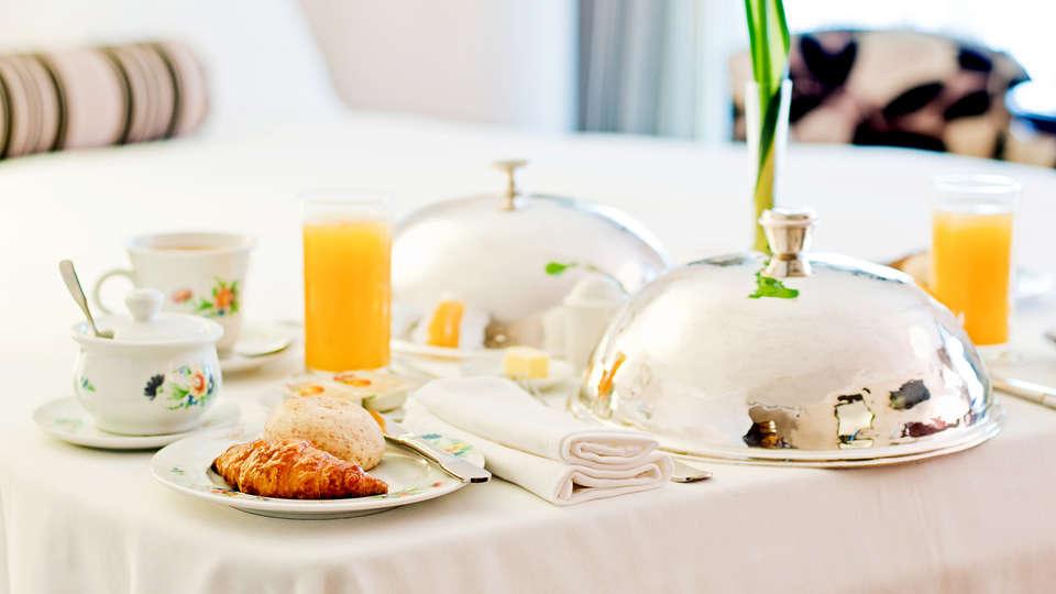 Bohinj ECO Hotel - Edit_Breakfast.jpg