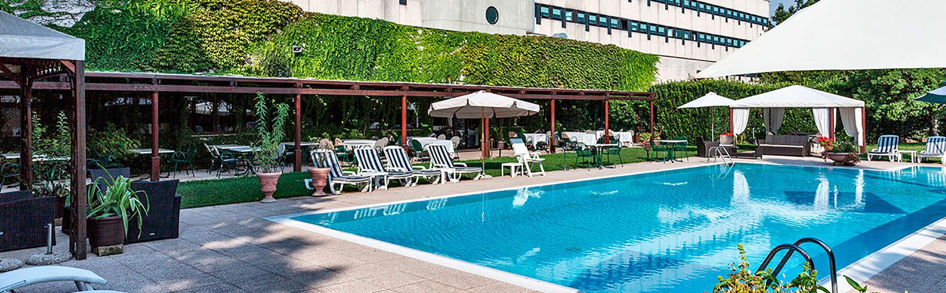Hotel Saccardi & Spa - EDIT_frontpool.jpg