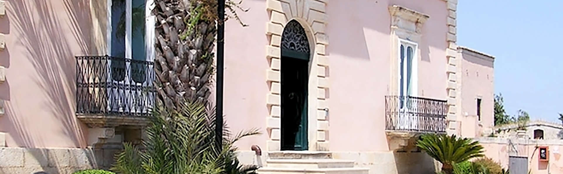 Villa Principe di Belmonte - Edit_Front3.jpg