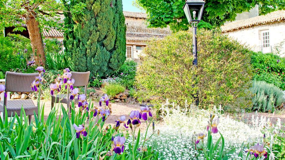Château de Périgny  - EDIT_garden.jpg