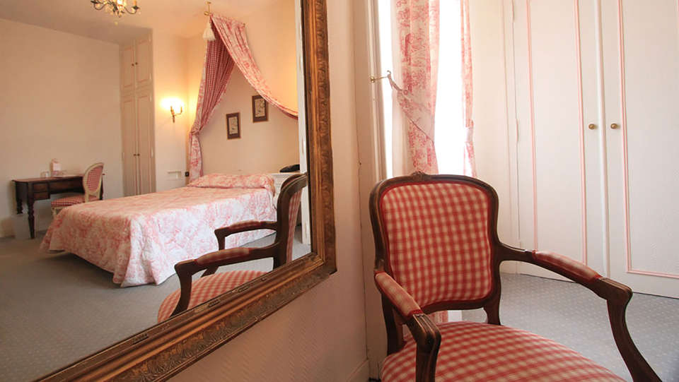 Château de Périgny  - EDIT_room6.jpg