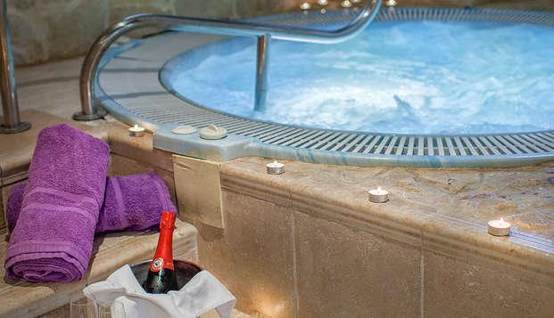 Escapada romántica con sesión de spa privado y cena en Úbeda