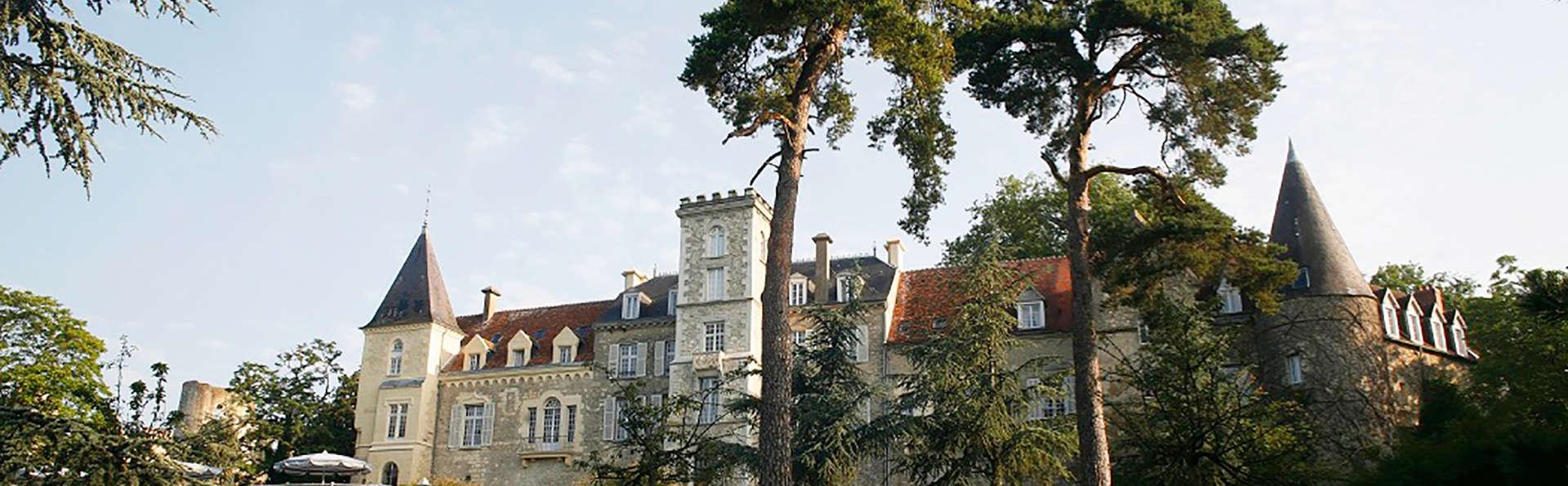 Château de Fere - edit_facade.jpg
